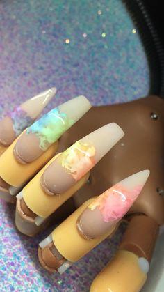 How to choose your fake nails? - My Nails Dope Nails, Fun Nails, Nails On Fleek, Cute Acrylic Nails, Acrylic Nail Designs, Matte Nails, Almond Nails, Gorgeous Nails, Trendy Nails