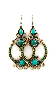 Turquoise & Jade Dangle Boho Earrings Oh my! Fashion Jewelry Necklaces, I Love Jewelry, Jewelry Shop, Fashion Earrings, Jewelry Accessories, Fashion Accessories, Fine Jewelry, Antique Jewelry, Vintage Jewelry