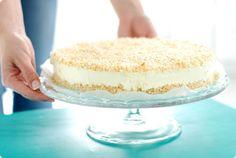 Hoy preparamos un receta de Tarta de limón sin horno, facilísima y con un resultado que sorprende. Hazla a mano o con tu Thermomix. Sweet Recipes, Cake Recipes, Dessert Recipes, Big Tasty, Types Of Desserts, Sweet Cooking, Thermomix Desserts, Cake & Co, My Dessert