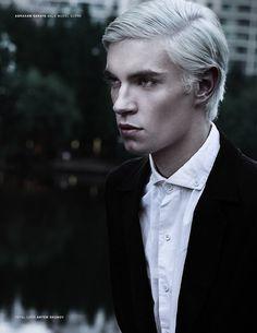 model-hommes:  Adrian Wisniewski for Male Model Scene. PH: Abraham Saraya.