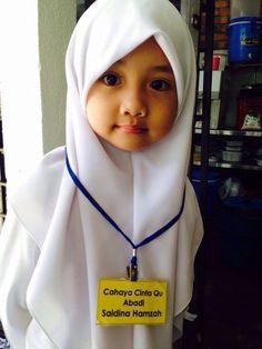 Young Beautiful Hijabi in The Worlds Hijabers Cilik Cantik Sedunia… My Little Girl, Little Princess, Cute Kids, Cute Babies, Innocent Child, Muslim Fashion, Young And Beautiful, Real Women, Kids Wear