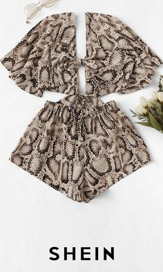 To find out about the Knot Snake Print Top With Shorts at SHEIN, part of our latest Two-piece Outfits ready to shop online today! Fashion News, Fashion Outfits, Womens Fashion, Fashion Shorts, Summer Outfits, Cute Outfits, Summer Shorts, Two Piece Outfit, Snake Print