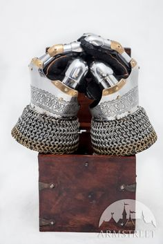"""Eastern Gauntlets """"Prince of the East"""" Armor"""
