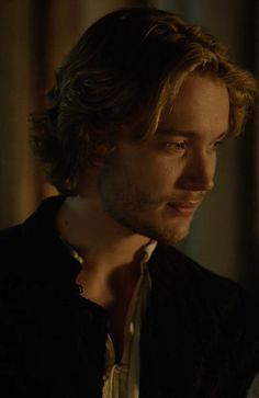Toby Regbo Reign, Reign Mary, King