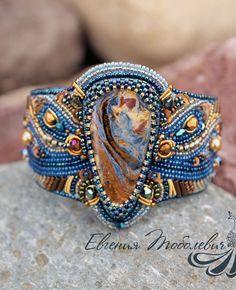 Beadworked bracelet |  Браслет с петерситом
