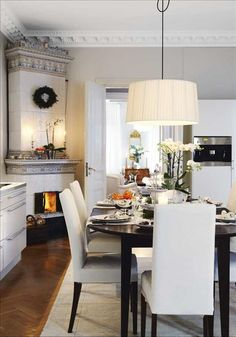 chic kitchen/dining room