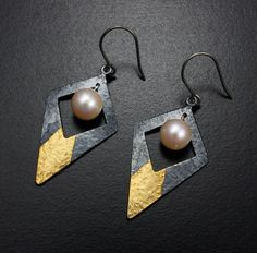 Diamond shape Keum Boo pearl earrings by KAZNESQ on Etsy