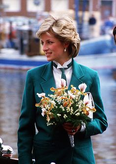 April Princess Diana leaving Livorno, Italy on the royal yacht Brittania's barge. (Photo by Jayne Fincher/Princess Diana Archive/Getty Images) Princess Diana Fashion, Princess Diana Pictures, Lady Diana Spencer, Royal Princess, Princess Of Wales, Prinz William, Prinz Harry, Princes Diana, Charles And Diana