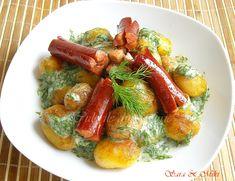 Ingrediente: * 1 kg de cartofi * ulei de masline * carnati cabanos si sos de marar ( ciulamaua,smântână,lămâie,marar din abundenta ). Yams, Sausage, Potatoes, Homemade, Meat, Cooking, Recipes, Food, Facebook