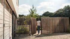 Er wordt weinig gesproken overbeveiligingvan de tuin. Toch kan het een essentieel onderdeel van zijn van het tuinontwerp. Meer weten over Domotica? ...