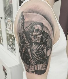 30 Horrible Grim Reaper Tattoo Designs & Meanings Check more at http://tattoo-journal.com/30-creative-grim-reaper-tattoos/