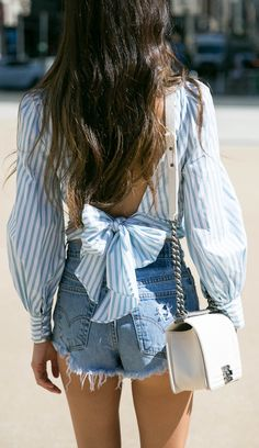Bow back blouse Simple Outfits, Cool Outfits, Summer Outfits, Denim Fashion, Fashion Outfits, Womens Fashion, Something Navy, Mode Jeans, Street Style