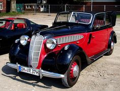 BMW 329 convertible with two or four doors – 1937
