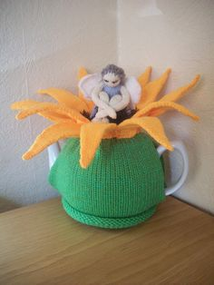 Knitted Tea Cosy Cosie Cozy Sunflower with a ♡ by rosiecosie