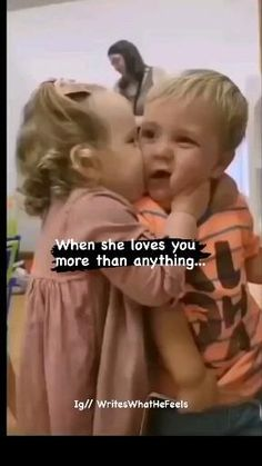 Cute Funny Baby Videos, Cute Funny Babies, Funny Videos For Kids, Cute Couple Videos, Funny Short Videos, Funny Baby Memes, Funny Fun Facts, Cute Funny Quotes, Funny Video Memes