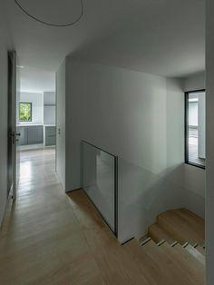 Casa NP (NP House) 2013 - Concluída Vista da escadas  photo © #ArménioTeixeira design © #NOARQ, #JoséCarlosNunesdeOliveira