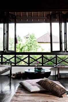 Bali house via Elle Decoration. Balinese Interior, Balinese Decor, Asian Interior, Interior And Exterior, Bohemian Interior, Bohemian Decor, Bohemian Style, Bali House, Zen House