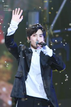Suho - 161101 SBS Power FM 20th Anniversary Concert Credit: Cotton J. (SBS 파워FM 20주년 콘서트)