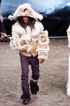 John Galliano Fall 2005 Menswear Fashion Show - Luchino (BANANAS)
