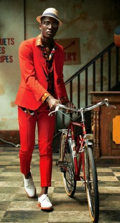 bike fashion bike fashion for men fashion for men menswear suit african print louis vuitton printed suit colorful mens bike pretty Mode Masculine, Sharp Dressed Man, Well Dressed Men, Costume Rouge, Bike Suit, Best Street Style, Look Fashion, Bike Fashion, Fashion Shoot