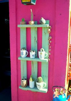 Estante con pallets pallet lounge, my house plans, reclaimed wood projects, Diy Crafts For Kids Easy, Diy Crafts For Teen Girls, Diy Crafts Videos, Diy Crafts To Sell, Creative Crafts, Pallet Lounge, My House Plans, Reclaimed Wood Projects, Garden Deco