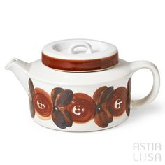 A teapot for brewing and serving tea. Arabia Rosmarin made in Finland. Designed by Ulla Procopé. International shipping with safety guaranteed. Brown Plates, Vintage Dishware, Vintage Dishes, Rustic Ceramics, Scandinavian Design, Stoneware, Coffee Cups, Brewing, Finland