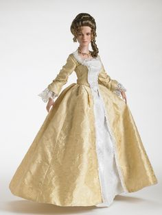 Pirates of the Caribbean - Elizabeth Swann-Court Gown LE 3000 | Tonner Doll Company