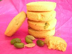 Lupin Flour, Cardamom and Pistachio cookies