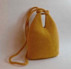 Ravelry: Infinity Cross Body Felted Purse pattern by Cindy Pilon Coin Purse Tutorial, Pouch Tutorial, Knitted Bags, Felted Bags, Felted Scarf, Felted Wool, Infinity Cross, Japanese Knot Bag, Bag Patterns To Sew
