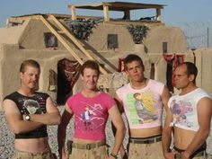 29 Hilarious Soldiers Having Heroic Levels Of Fun