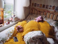 """mustardskies: """"what my bed typically looks like ig: @broniakidd """""""