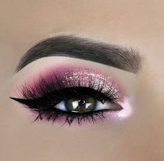 eye makeup for brown eyes . eye makeup for blue eyes . eye makeup tips . eye makeup for green eyes Makeup Eye Looks, Pink Eye Makeup, Glitter Eye Makeup, Pink Eyeshadow, Eye Makeup Tips, Eyeshadow Looks, Makeup Inspo, Makeup Eyeshadow, Eyeliner