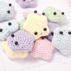 Crochet Tutorial Patterns Make your own cute amigurumi stars with this free crochet pattern. thanks so xox - Crochet your own teeny tiny amigurumi star with this super-cute pattern! Crochet Kawaii, Cute Crochet, Crochet Crafts, Yarn Crafts, Crochet Patterns Amigurumi, Crochet Dolls, Knitting Patterns, Macrame Patterns, Knitted Dolls