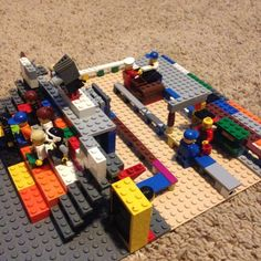 I made some what of a movie theater out of #LEGO bricks