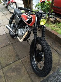 Classic bike's honda tracker no cafe racer / scrambler Honda Scrambler, Cafe Racer Honda, Cafe Racers, Motos Honda, Honda Bikes, Cafe Racer Motorcycle, Motorcycle Outfit, Scrambler Custom, Enduro Vintage