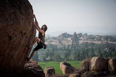 Explore Hampi & Experience Bouldering https://hikcal.com/india/explore-hampi-experience-bouldering/ #thehikingcalendar #Adventure #Archaeology #Asia #Bangalore #Bengaluru #Hike #Hiking #History #India #Karnataka #Lakeshores #Landscape #Nature #Outdoors #Riding #Sunrise #TamilNadu #Trail #Trailing #Trek #Trekking #इडय #एशय #करनटक #बगलर #बगलर