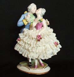 Rare Antique German Dresden Lace Kissing Victorian Lady Gent Couple Figurine