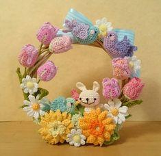 Pin on Crochet Pin on Crochet - Dehily Crochet Wreath, Crochet Crafts, Crochet Dolls, Crochet Projects, Crochet Home Decor, Crochet Flower Tutorial, Crochet Flowers, Easter Crochet Patterns, Wedding Doll