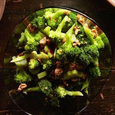 Weeknight Date Night Menu, SIDE DISH   Walnut & Cranberry Broccoli Salad #RRMenuPlanner