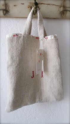 redwork monogram on linen Sacs Tote Bags, Reusable Tote Bags, Couture Cuir, Jute Bags, Linen Bag, Linens And Lace, Fabric Bags, Handmade Bags, Bag Making