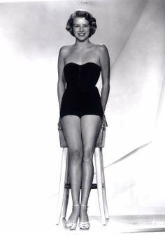 """Rosemary Clooney, born on 5/23/28 in Maysville, KY. Died on 6/9/02 of lung cancer. A Singer and Actress from 1946 to 2001. She came to prominence in the early 50's with the novelty hit, """"Come On-A My House"""", and co-starring with Bing Crosby in the film """"White Christmas"""", 1954. Her career languished in the 60's due to problems with depression and drug addiction, but she revived in 77 with Crosby's help. She was the Aunt to George and sister to Nick. She was married three times with five…"""