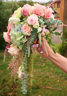 I will use a few of these pastel pinks along with blush champagne ice blue burgundy wine and ivory shades in both the arc piece and your bouquet Vintage Wedding Flowers, Bridal Flowers, Floral Wedding, Bride Bouquets, Bridesmaid Bouquet, Flower Bouquets, Flora Garden, Rosa Rose, Cascade Bouquet