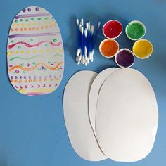 Now the shops are rammed full of Easter eggs and we're seeing them everywhere we go I decided to start some of our Easter themed arts and crafts. We started with this simple Q-tip Easter egg decorating that we first did last year so it was lo...