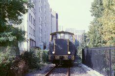 loco tracteur sur la petite ceinture rue Régnault Tramway, Trains, Rue, Bradley Mountain, Paris Photos, Parisian, Transportation, Direction, Backpacks