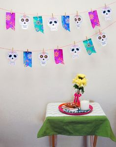 I created this fun Día de los Muertos Garland, it's easy to make, just print, cut and hang with clothespins!  Use it at home on top of your altar or along the side of the table, and by the way we are creating our own little altar here, can't wait to show you! The tutorial and printable are over at Latinamom.me, head over there to download the garland! – E S P A Ñ O L – Hice esta guirnalda para la celebración del día de los muertos, es facilísima se hacer porque sólo hay que imprimir las…