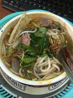 Bún bò Huế for the first day I back Saigon. Thanks mom ❤️❤️❤️  From advice of www.vietnamesefood.com.vn Vietnamese Pho, Vietnamese Recipes, Thanks Mom, Soup Recipes, Spaghetti, Food And Drink, Menu, Yummy Food, Advice