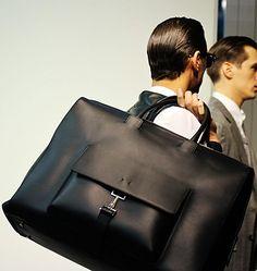 | Nice weekend bag. nice details.