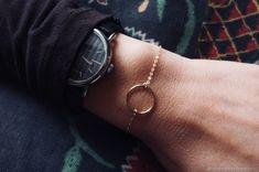 Золотой браслет с кругом «Минимализм» – купить в интернет-магазине на Ярмарке Мастеров с доставкой