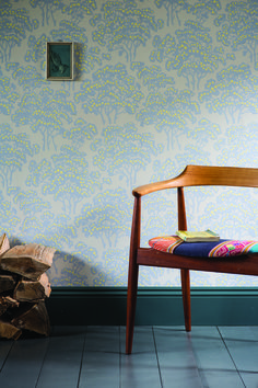 Our Hornbeam paper celebrates the iconic scene so often present in the British countryside, the hedgerow. Looking at the pattern and subtle detailing the viewer feels instantly like they are strolling across the rolling fields of the countryside, dotted with flocks of sheep, darting butterflies and of course, the crisscross pattern of hedgerows. #FarrowandBall #Paint #Wallpaper #Hornbeam #Interiors #Decor #Interior #Design #Timelessmaterialsco #Dorset #England #Waterloo
