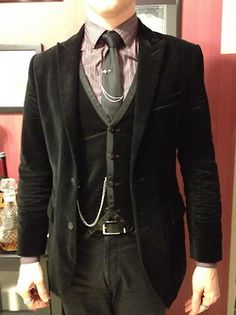 mens fashion for work looks great! Gothic Fashion Men, Witch Fashion, Mens Fashion, Steampunk Men, Steampunk Fashion, Goth Guys, Popular Outfits, Tuxedo For Men, Sartorialist